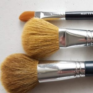 BareMinerals  Face Brush Trio